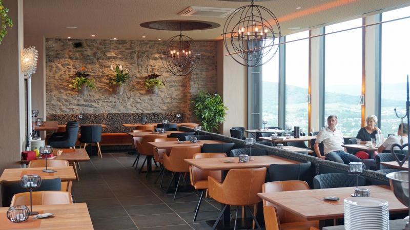 burg landshut restaurant weinstube in bernkastel kues mobile. Black Bedroom Furniture Sets. Home Design Ideas