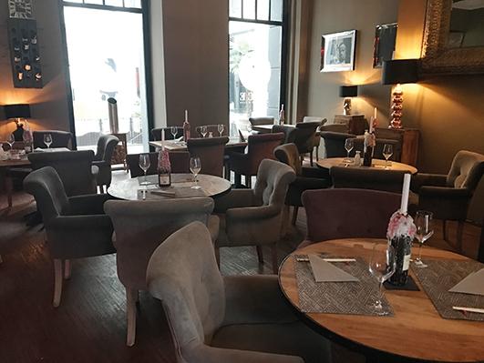 face restaurant club in hannover mitte mobile. Black Bedroom Furniture Sets. Home Design Ideas